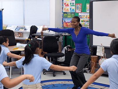 Genein Letford teaching students