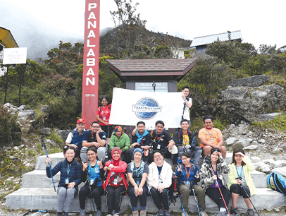 Group of Toastmasters members at Mount Kinabalu